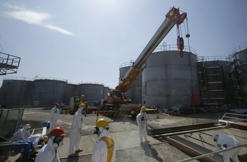 Tepco Says More Water May Escape Fukushima as Smaller Leak Found