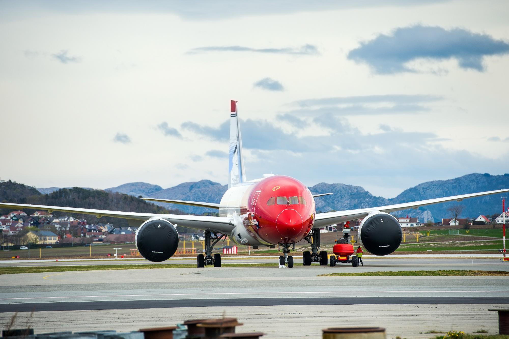Norwegian Air Sh
