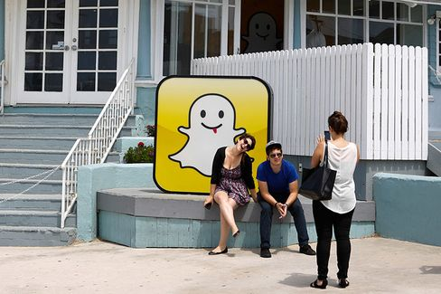 Snapchat's $3 Billion Rejection and the Great Facebook Unbundling