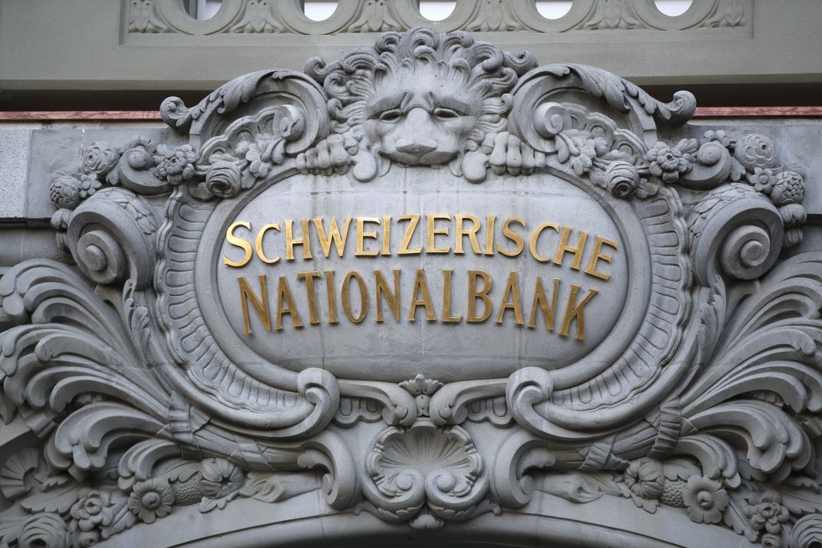 SNB Keeps Ultra-Loose Stance, With Inflation in Comfort Zone
