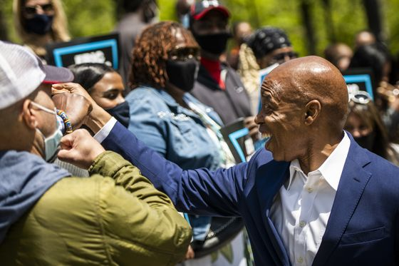 NYC Mayoral Race Turns Caustic as Vote Nears, Reopening Quickens