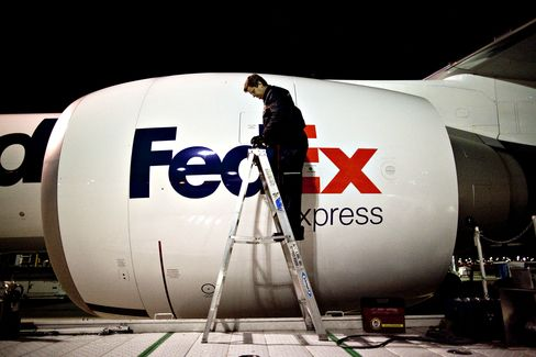 FedEx Said to Mull Boeing, Airbus Freighter Order