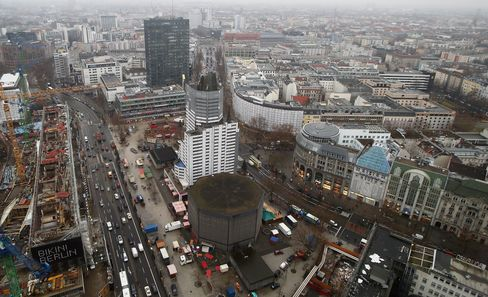 Berlin's 'Old Lady' Retail Street Gets Cool With Apple