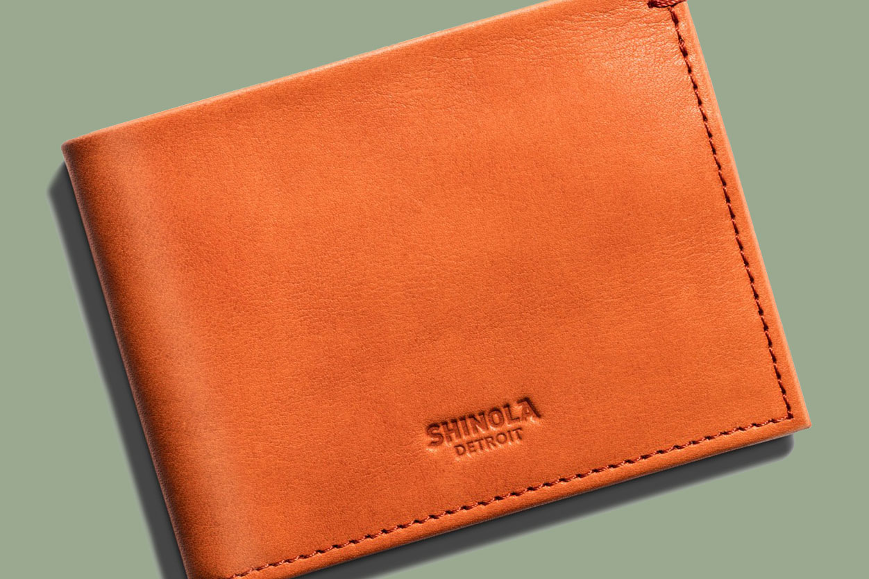 Best Wallets for Men  Bi-Folds to Money Clips to iPhone Hybrids - Bloomberg c7e6880c8e6c
