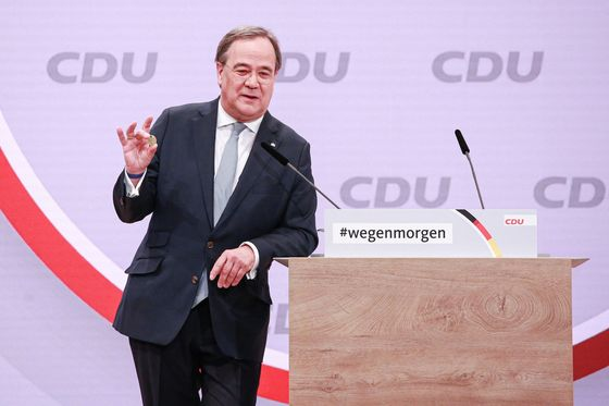 Potential Merkel Heirs Spar Over Pandemic in Campaign Kickoff