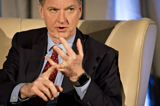 Evans Says Fed Can Easily Be Patient and Assess Economic Outlook