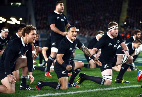 All Blacks Take Rugby Championship Lead, Wallabies Get First Win