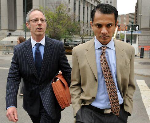 Ex-Goldman Employee Seeks Leniency for Insider Scheme