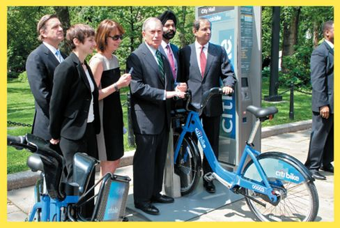 From left: Robert Steel, former Alta Bicycle Share President Alison Cohen, Janette Sadik-Khan, the mayor, MasterCard CEO Ajay Banga, and Pandit in 2012