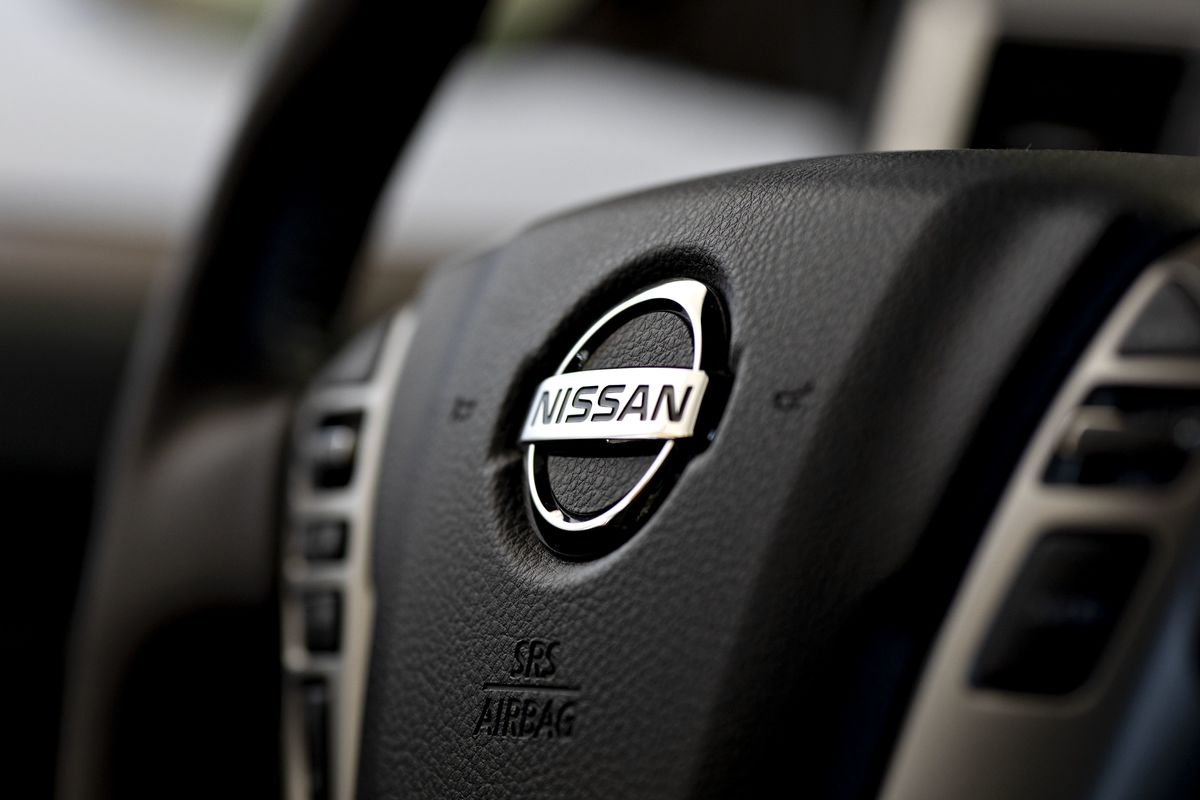 Ghosn Whistle-Blower Faces Pressure to Leave Nissan, Sources Say
