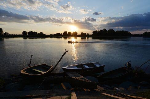 1471600295_Danube-Romania