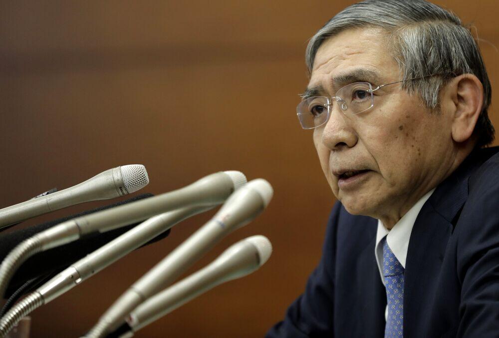 政府は黒田総裁を再任、副総裁に...