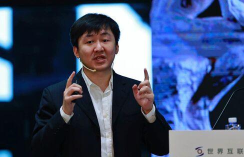 王小川CEO
