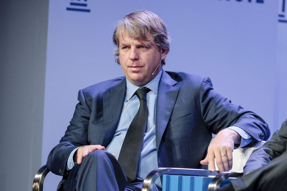 Guggenheim Ex-President Boehly Sells Stake in Firm, Exits