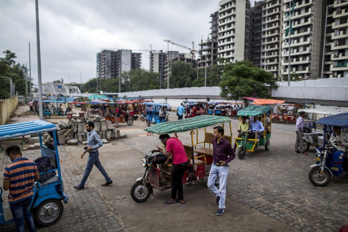 India S Rickshaws Outnumber China S Electric Vehicles Bloomberg