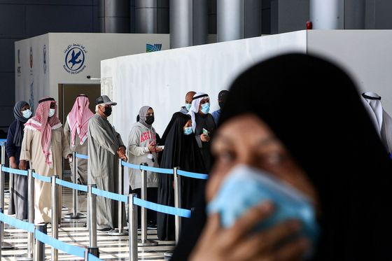 Kuwait Puts Citizens Before Expats as Vaccine Push Stirs Anger