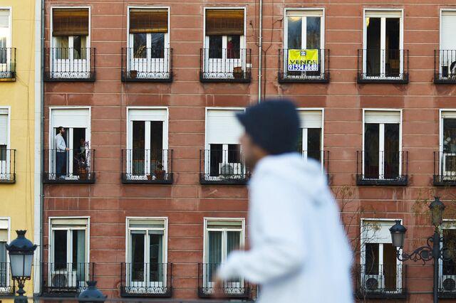 EU Orders Spanish Banks to Repay Billions to Mortgage Borrowers