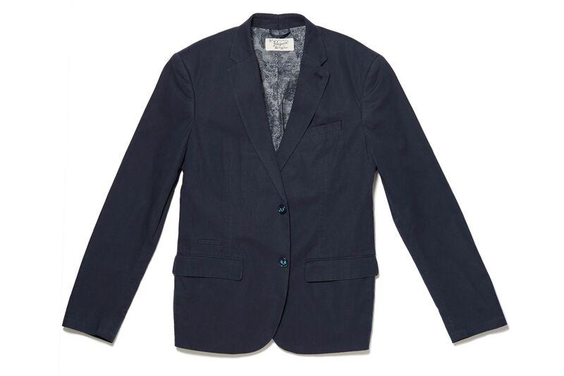 How to dress when an invitation says cocktail attire in summer weekend wear linen blazer bloomberg jacket stopboris Gallery