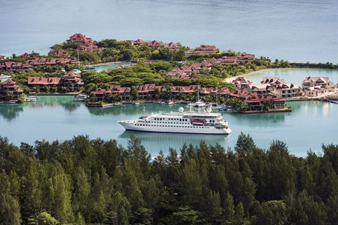 Crystal Cruise's Esprit in Eden Island.