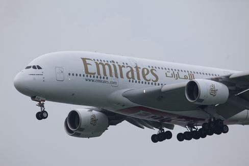 Emirates A380 Turns Back to Sydney Following Engine Fault