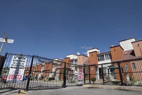 Foreclosed Homes Flood Mexico Market as Builders Sink