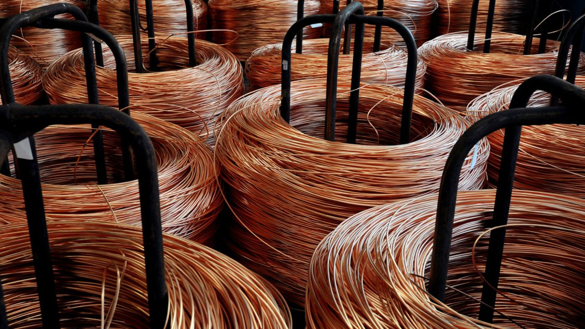 Copper Flirting With Key Long-Term Support Into Month-End: Analysis -  Bloomberg