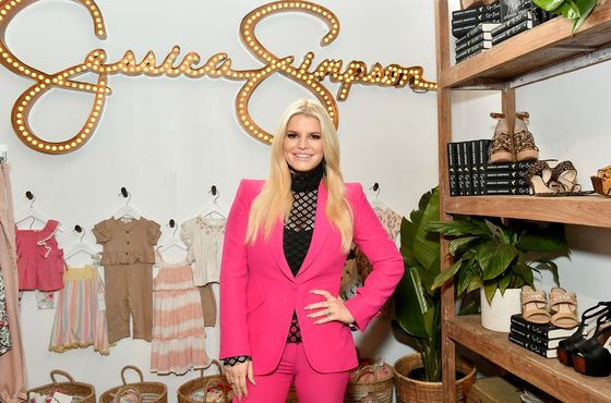 Jessica Simpson-Brand Owner Files Bankruptcy as Retail Sinks
