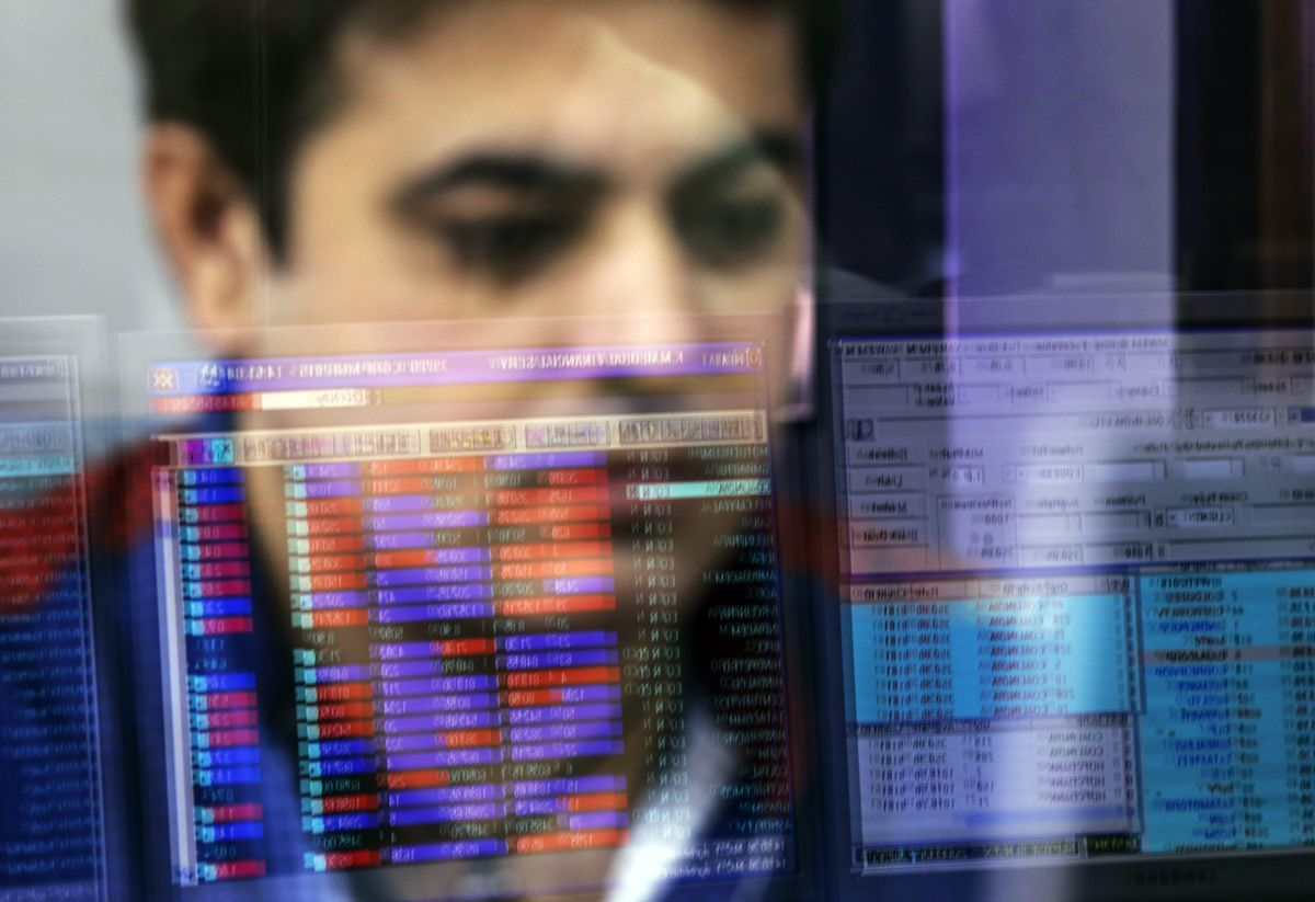 India's Sensex Struggles to Hold Near Record for Second Session