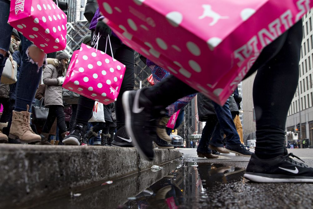 c8f620a49b6 Victoria s Secret Owner Drops After Pink Chain s CEO Steps Down ...