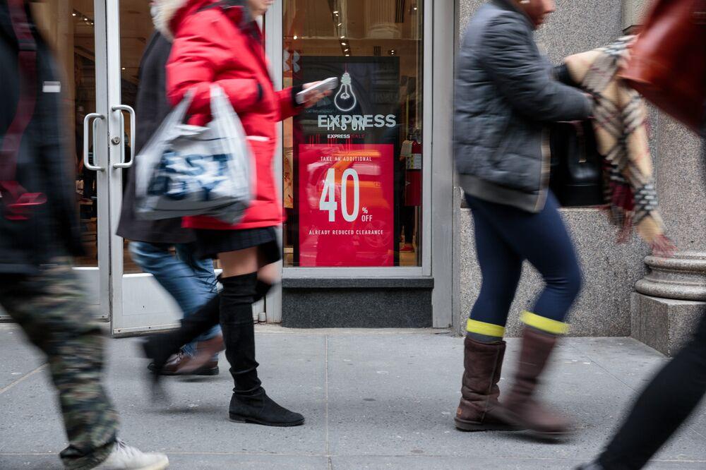3802da3551e Express Exemplifies Retail s Execution Problem - Bloomberg
