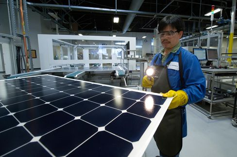 Solar Glut Worsens as Supply Surge Cuts Prices 93%