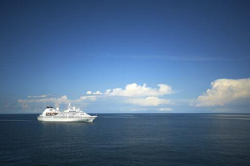 Windstar's 212-passenger Star Breeze cruise liner.