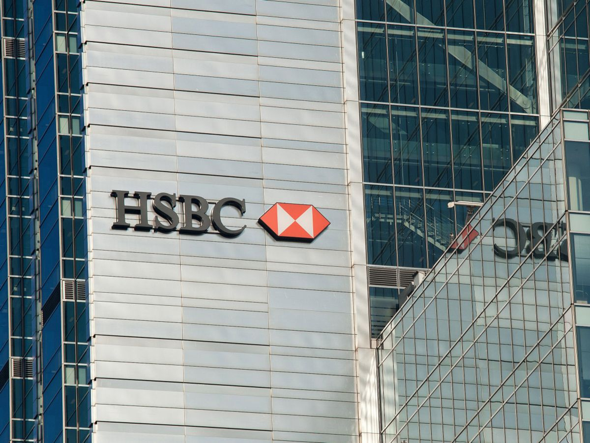 HSBC Exits or Downsizes 77 Offices as Hybrid Work Takes Hold