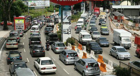 Malaysia Said to Plan $636 Million Islamic Bonds to Fund Subway