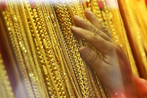 Jewelry Demand May Revive Gold, Mining Stocks