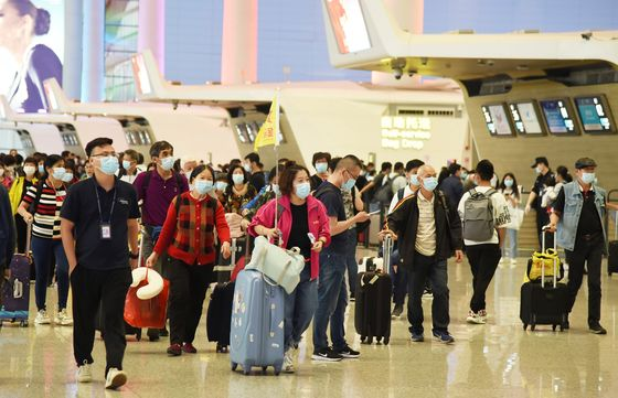 China's Post-Covid Travel Frenzy May Break Labor Day Record