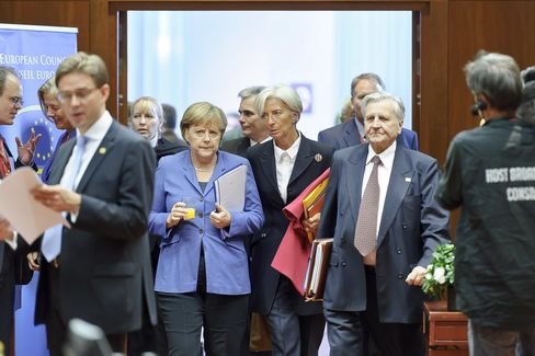 Europe Bolsters Crisis-Fighting Tools, Pledging Details