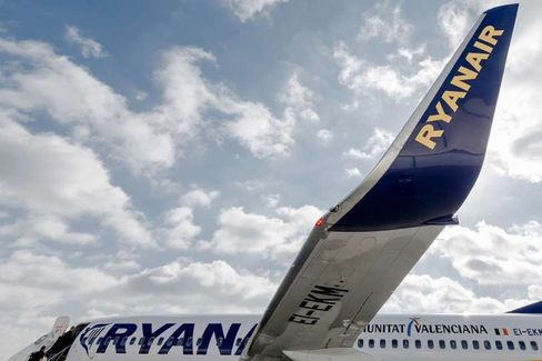 A Kinder, Gentler Ryanair? A Budget Airline Tries Growing a Little Nicer