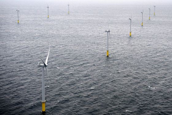 `Dawn' of Asia Offshore Wind Boom Lures Japan Trading Houses