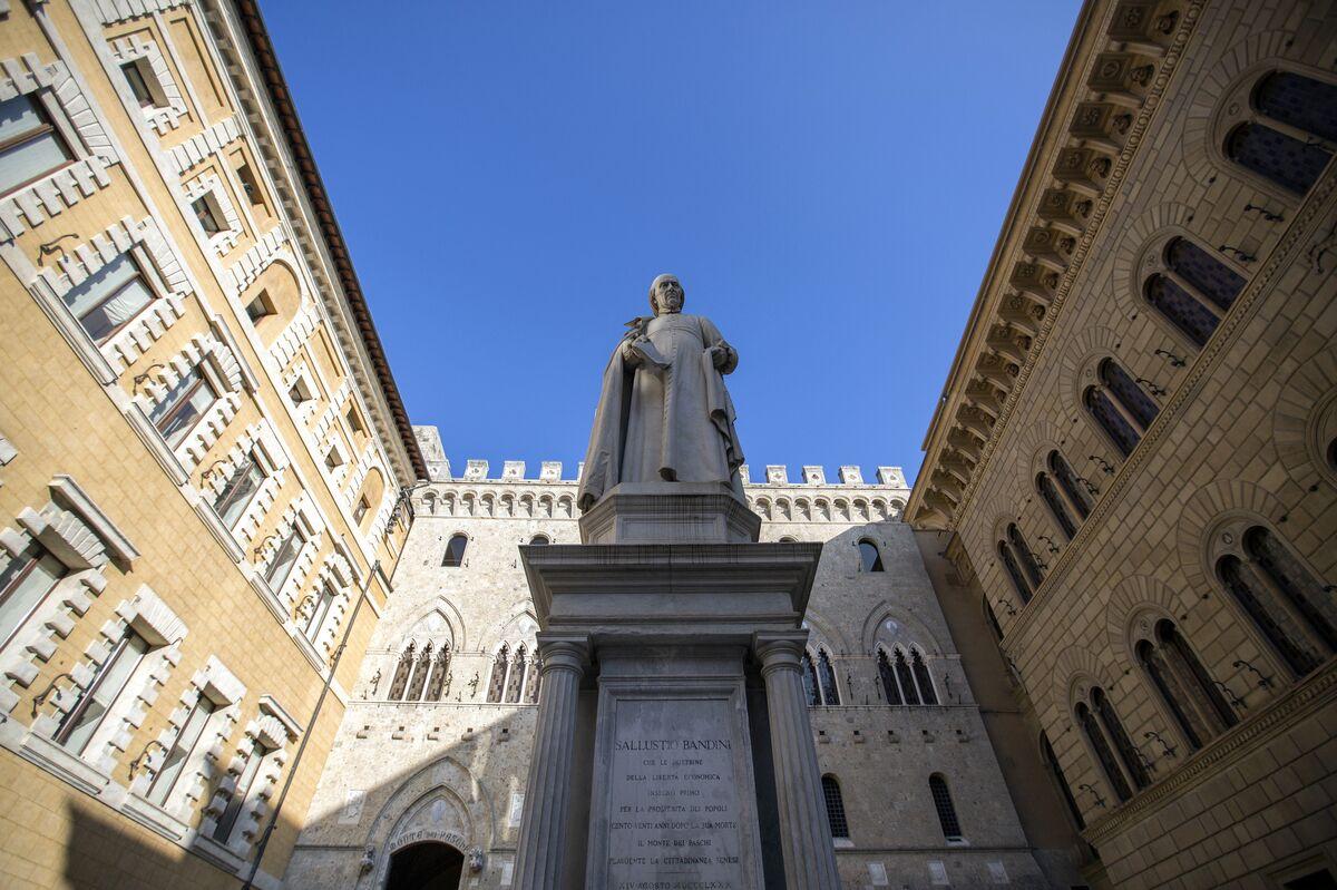 La sede della banca Monte dei Paschi di Siena a Siena, Italia.