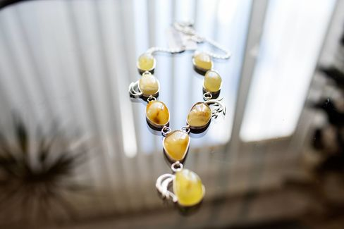 An amber necklace made by craftspeople atBurshtyn Ukrainy.