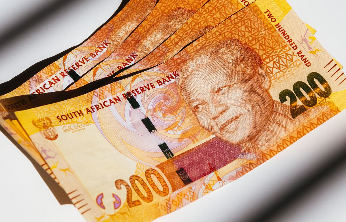 South Africa Risks Add to Rates Pressure, Central Bank Says