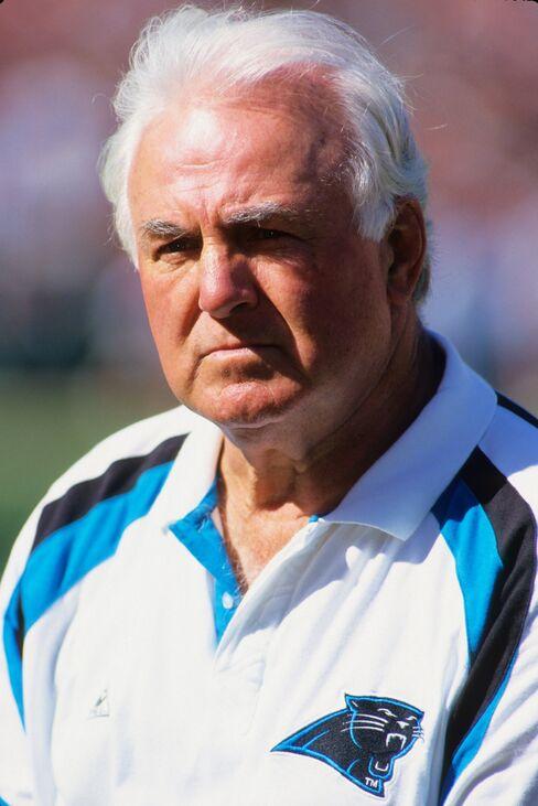 NFL Hall of Famer Mike McCormack