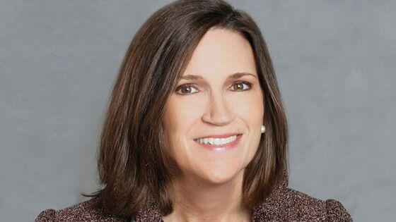 'Great Job': Jamie Dimon's New CFO Makes Her Earnings Day Debut