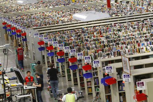 Amazon Starts India Shopping Service as Internet