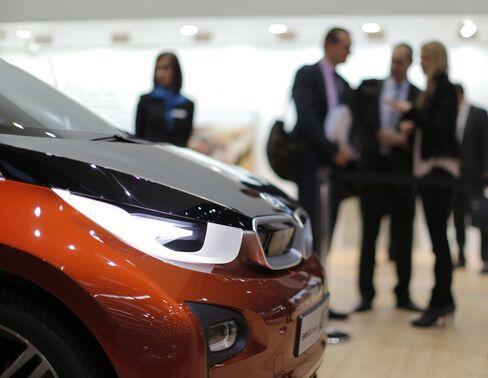 BMW Auto Profitability Slips on Costs to Keep Ahead of Audi