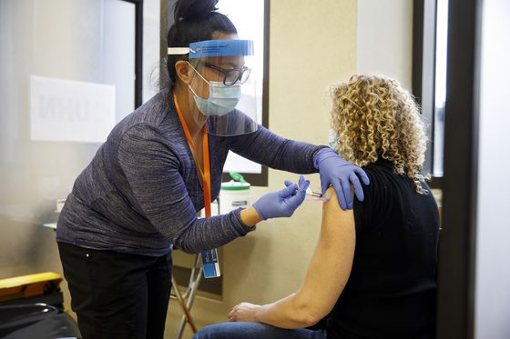 Moderna Shot Gets Approval in Canada's Expanding Vaccine Effort