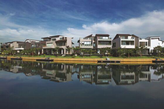 The Lost Decade of Sentosa Cove, Singapore's Billionaire Haven
