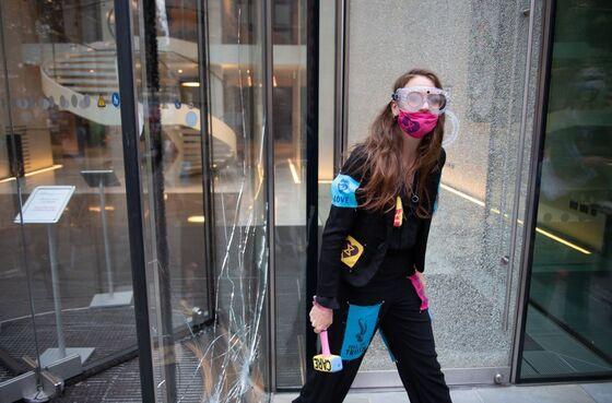 Climate Protesters Break Windows at JPMorgan in London