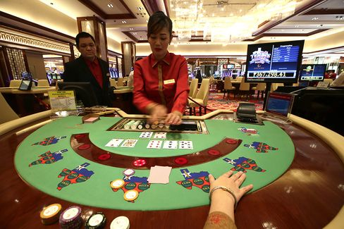 Philippine Billionaire Razon Seeks Casino Growth